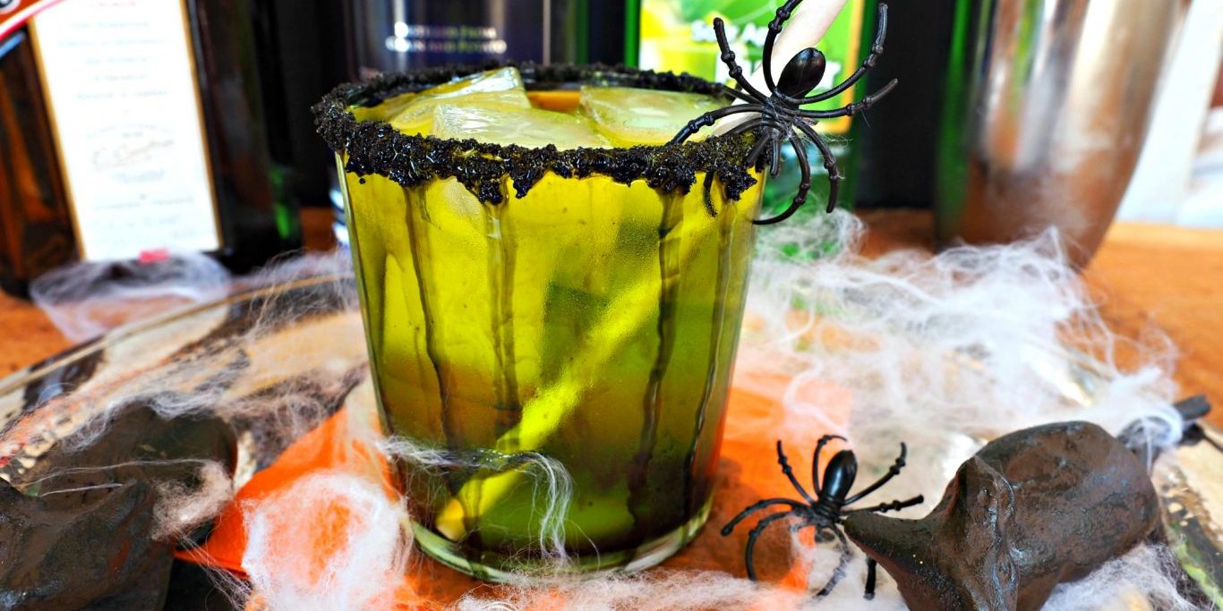 halloween cocktail | everyday gourmet with blakely | cocktail recipes