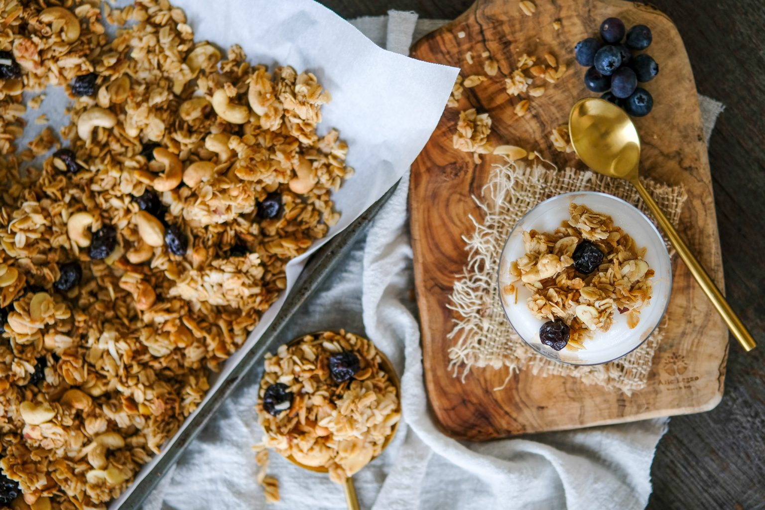 Cashew Almond Coconut Granola Everyday Gourmet With Blakely