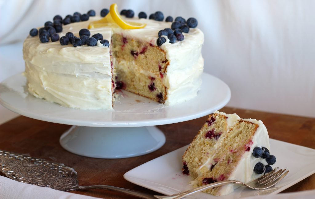 This Cake To Me Just Screams Spring The Freshness Of Lemon And Blueberry With Creaminess Cream Cheese Makes So Happy