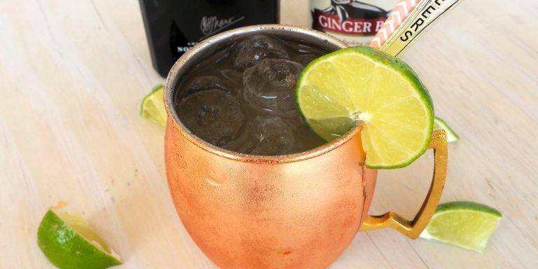 moscow mule with gin chef blakely trettenero easy cocktail recipes. Black Bedroom Furniture Sets. Home Design Ideas