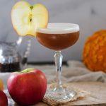 apple pie cocktail, bourbon cocktail, cocktail recipe with bourbon, bourbon apple cocktail, cocktails for fall, fall cocktails, fall drink recipes, apple cocktail recipes for fall,